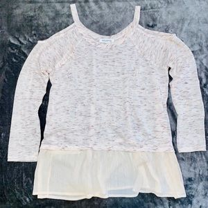 Rad. Clothing cold shoulder top size Large in EUC